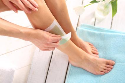 Depilacja nóg woskiem